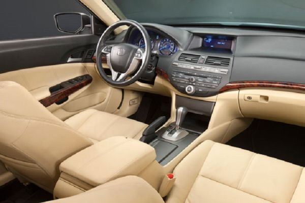 2015 - Honda Crosstour Interior