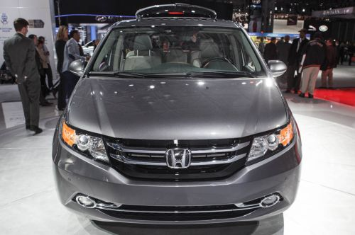 2015 honda odyssey the right choice for family hauling honda reviews. Black Bedroom Furniture Sets. Home Design Ideas
