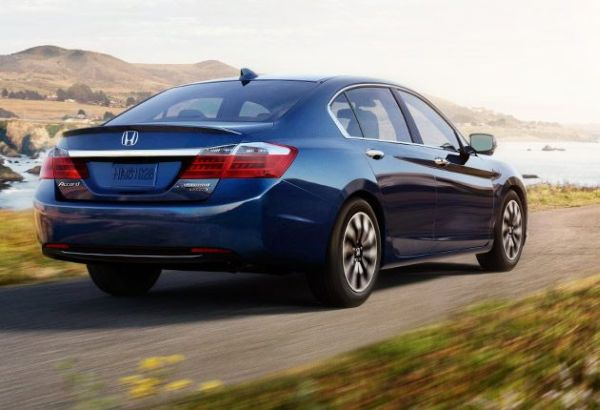 Honda Accord Hybrid 2015 - Rear View