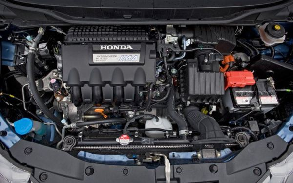 Honda Insight 2017 - Engine