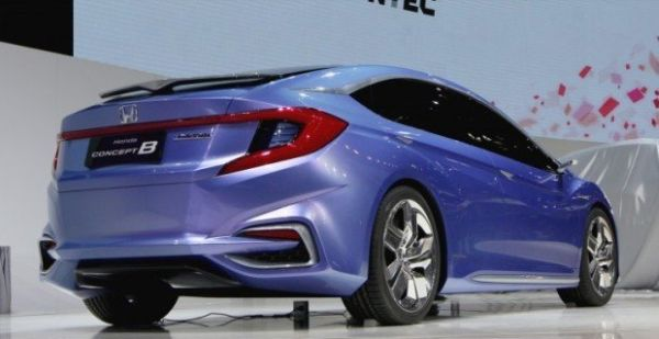 Honda Insight 2017 -Rear View