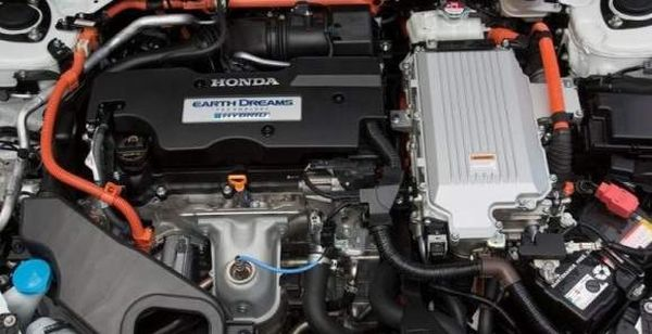 Honda Jade 2015 - Engine